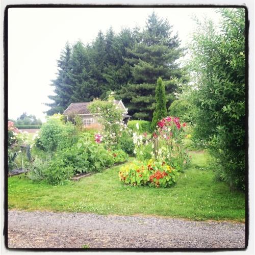 Feller House Gardens