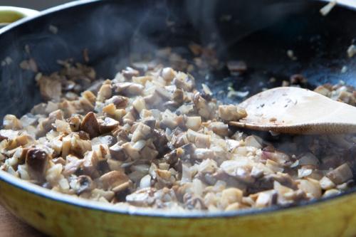 vegan-mushroom-stroganoffspoonwithme-com-6